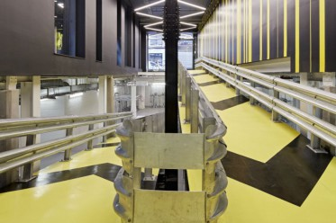 Blick auf die Einfahrt in die Velo-Tiefgarage im Alphabeta-Gebäude in London. (Bild: www.cityam.com)