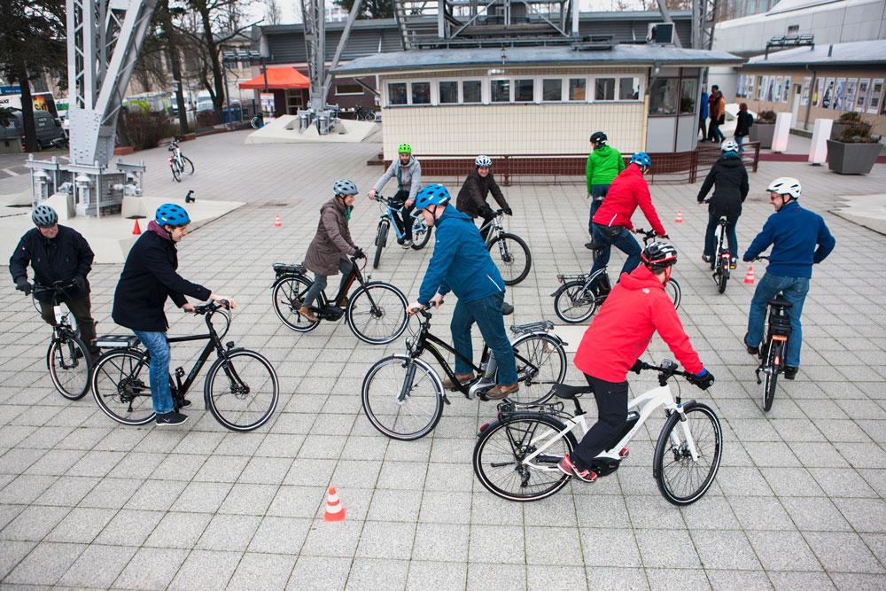 Die Nutzung des Velos als tägliches Verkehrsmittel ist  auch entscheidend für die spätere Verkehrsmittelwahl.   Quelle/Source: www.pd-f.de / Kay Tkatzik