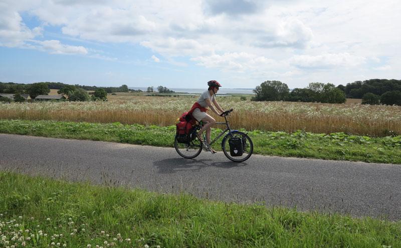 Das Velo ist das beste Verkehrsmittel, um andere Menschen und fremde Kulturen kennenzulernen. Wer deren Sprache spriacht, hat es dabei einfacher. Eine Radreise lässt sich auch ideal mit einem Sprachaufenthalt verbinden.