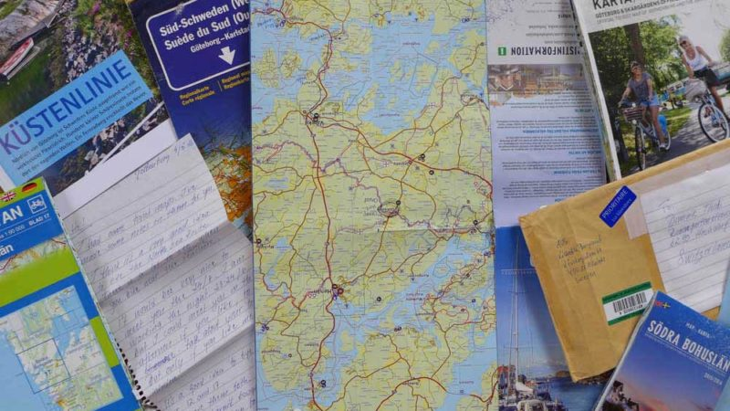 Kartenmaterial, aus Göteborg zugeschickte Prospekte, ein handgeschriebener Brief: die Grundlage für steigende Ferienfreude. | © 2016 Dominik Thali